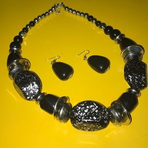 Jewelry - Set necklace and Earrings